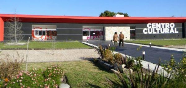 Espectáculos musicales, teatro y exposiciones de artistas locales en el Centro Cultural de San Clemente