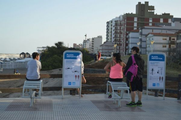 Ver detalles de Plaza Deportiva en Mar de Ajó