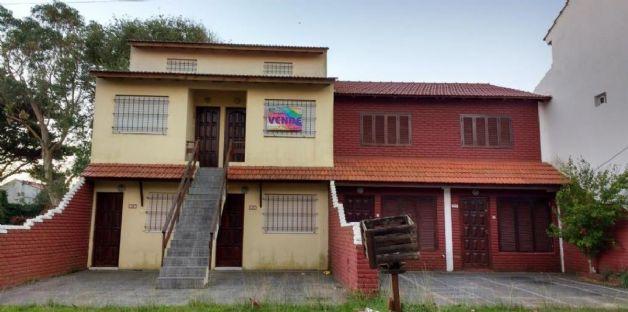 Ver detalles de Dos duplex + cuatro departamentos EN BLOCK